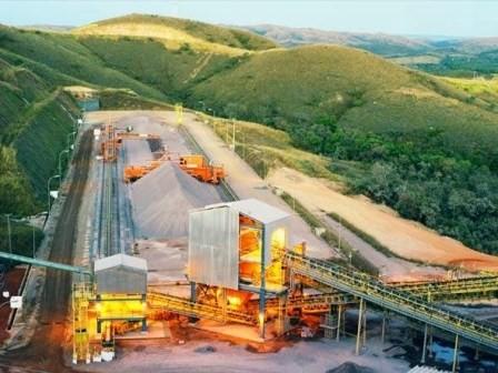 Mineradora deve encerrar atividades por causa dos baixos preços do níquel, gerando desemprego em massa