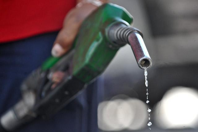 Resultado de imagem para Petrobrás anuncia redução nos preços de Diesel e da gasolina