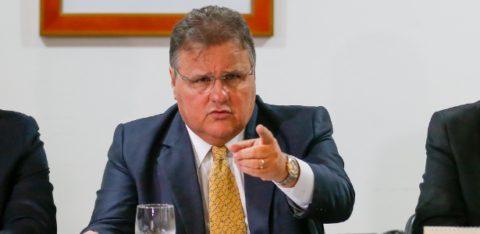 5jul2016-o-ministro-da-secretaria-de-governo-geddel-vieira-lima-participa-de-reuniao-com-lideres-partidarios-no-palacio-do-planalto-1467759154302_615x300