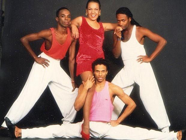 Cantora Loalwa Braz ganhou projeção nos anos 1980 com o hit 'Chorando Se Foi' (Foto divulgação)