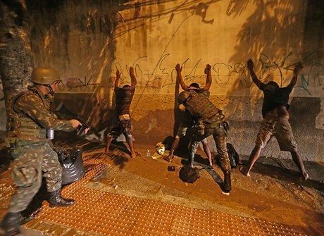 Ontem, Ministério da Justiça mandou 200 homens da Força Nacional para o Estado. (Foto: Tv Vitória)