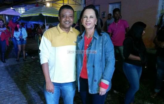 A prefeita Maria das Graças em companhia do vereador Jô da AABB. (Foto: Noel Rodrigues / Ipiaú On Line)