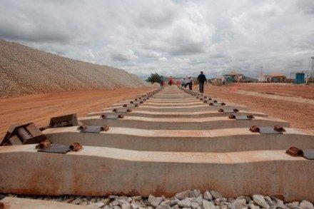 Obras da Fiol estão paralisadas (Foto: Elói Corrêa)