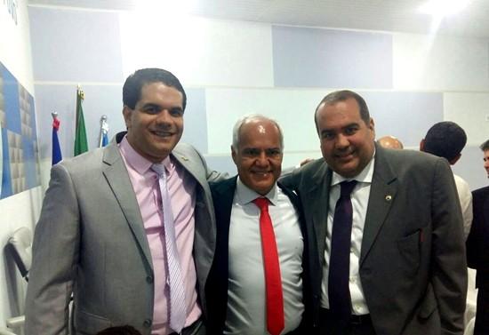 Presidente da Câmara,  Péricles,  Des. Sergio Cafezeiro  e o Dep  Sandro Régis