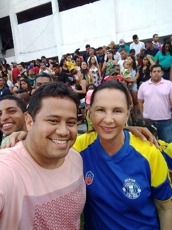 Prefeita Maria das Graças esteve novamente torcendo pelo time da casa nas arquibancadas