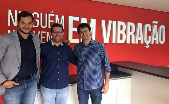 Guilherme Bellintani (à direita) é o candidato da situação e tem como vice da chapa Vítor Ferraz (esquerda); atual vice-presidente, Pedro Henriques (centro) declara apoio (Divulgação)