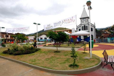 Governador Jaques Wagner inaugura Praça em Itagi Na foto: Foto Manu Dias/AGECOM