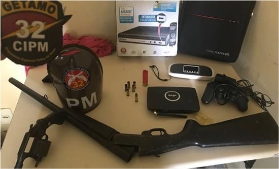 Polícia localiza ladrão que ostentava fotos armado nas redes sociais.(Foto: Reprodução)