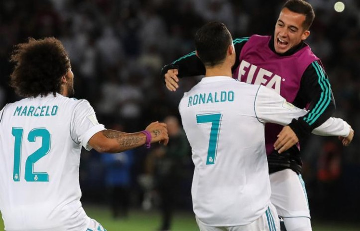Gol de falta do português garantiu vitória por 1 a 0 sobre o tricolor gaúcho. (Foto: Karim Sahib / AFP)