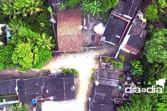 Foto: Operação contou com a ajuda de um drone para ajudar na localização dos suspeitos. (Foto: Divulgação)