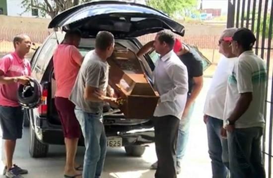 Polícia suspeita de homicídio culposo na morte do idoso de 61 anos em Campina Grande (Foto: Reprodução/TV Paraíba)