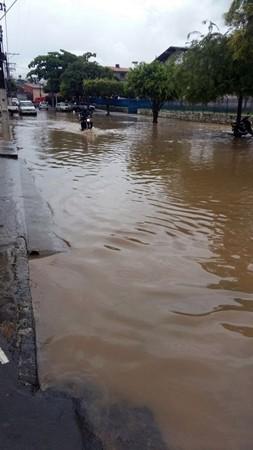 Rua Vicente Júlio Aragão / Ginásio de esportes. Foto leitora Meire Oliveira