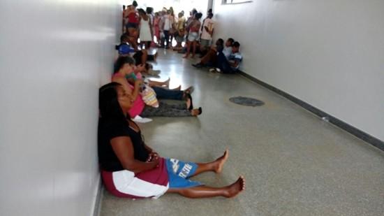 Pacientes no Hospital Costa do Cacau. (Foto: Leitor do Ilhéus24h)