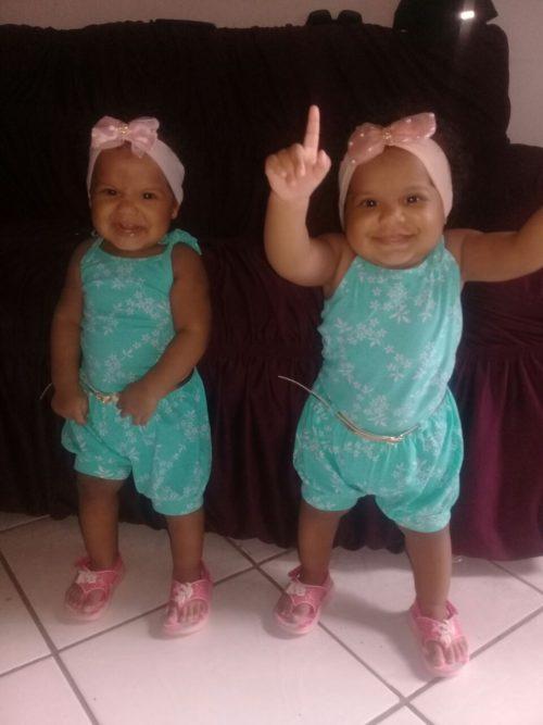 Kemylle e Rayssa completam um ano de idade