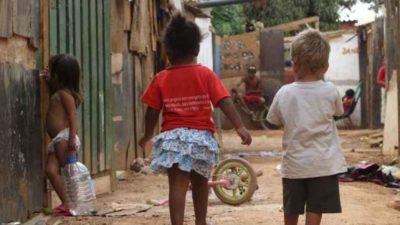 Resultado de imagem para Famílias pobres brasileiras levariam 9 gerações para alcançar renda média, diz OCDE